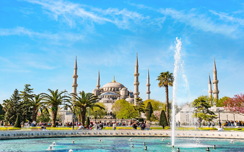 Turkish tourism figures continue to surge forward