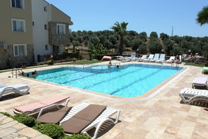 2-Two-Bedroom-Sea-View-Apartment-For-Sale-In-Altinkum-pool-300x200