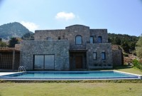 Detached-Villa-For-Sale-In-Yalikavak-With-Stunning-Bay-Views-5
