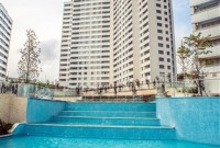 8-Apartments-For-Sale-In-Bahcesehir-Istanbul-pool-area3